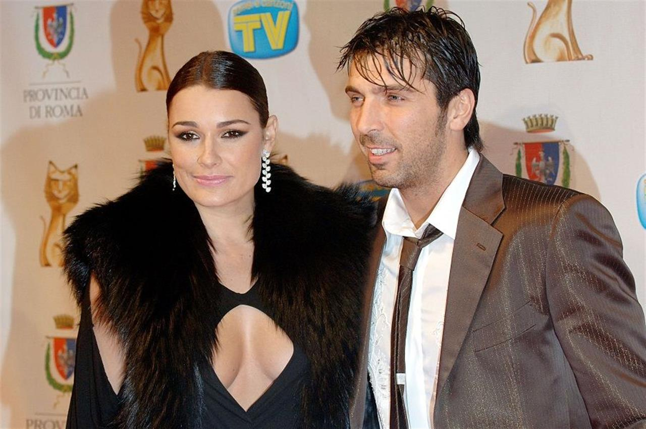 Gigi Bufon, why have you bored the beautiful Alena Seredova ?!